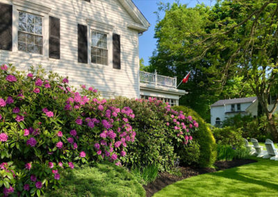 Yard | Captain David Kelley House Bed & Breakfast, Cape Cod
